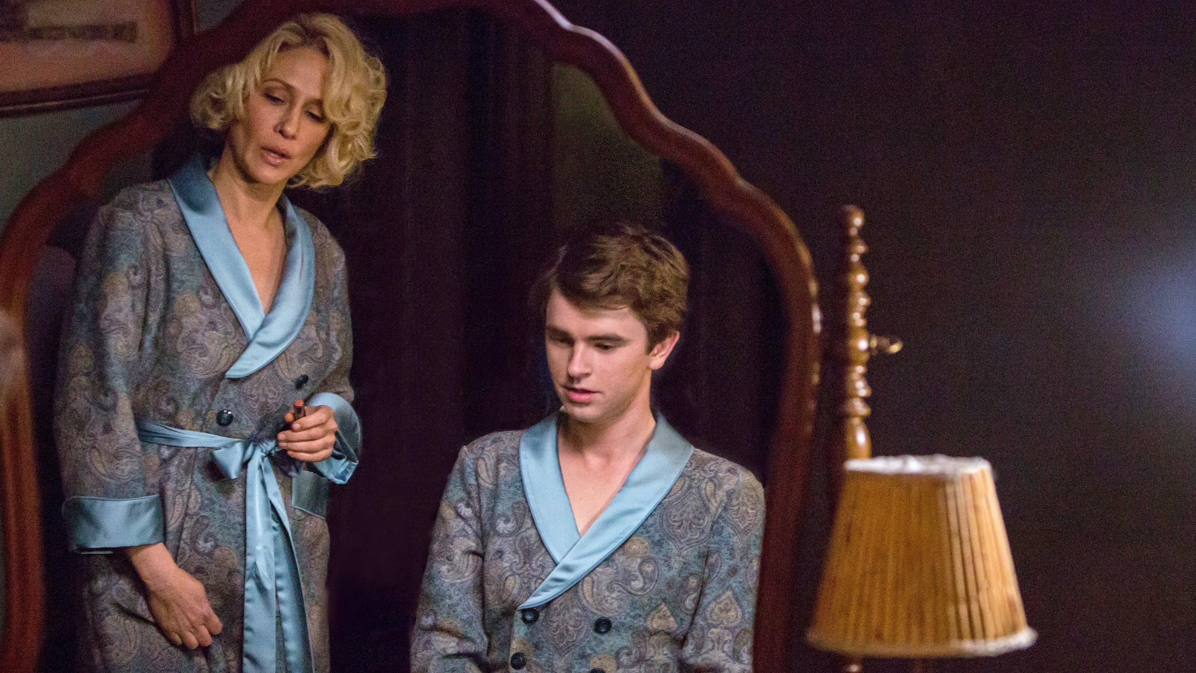 bates motel 2013 saison 4 pisode 1 filmstreaming hd com. Black Bedroom Furniture Sets. Home Design Ideas
