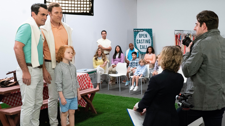 Modern Family Season 10 :Episode 13  Whanex?