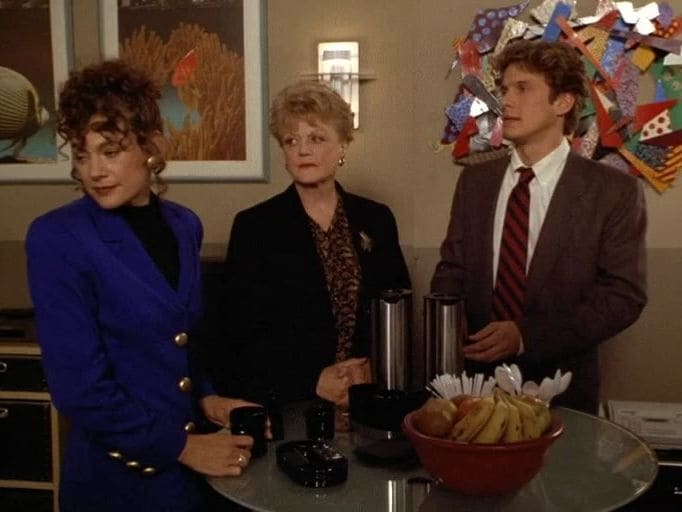 Murder, She Wrote Season 11 :Episode 10  Murder of the Month Club