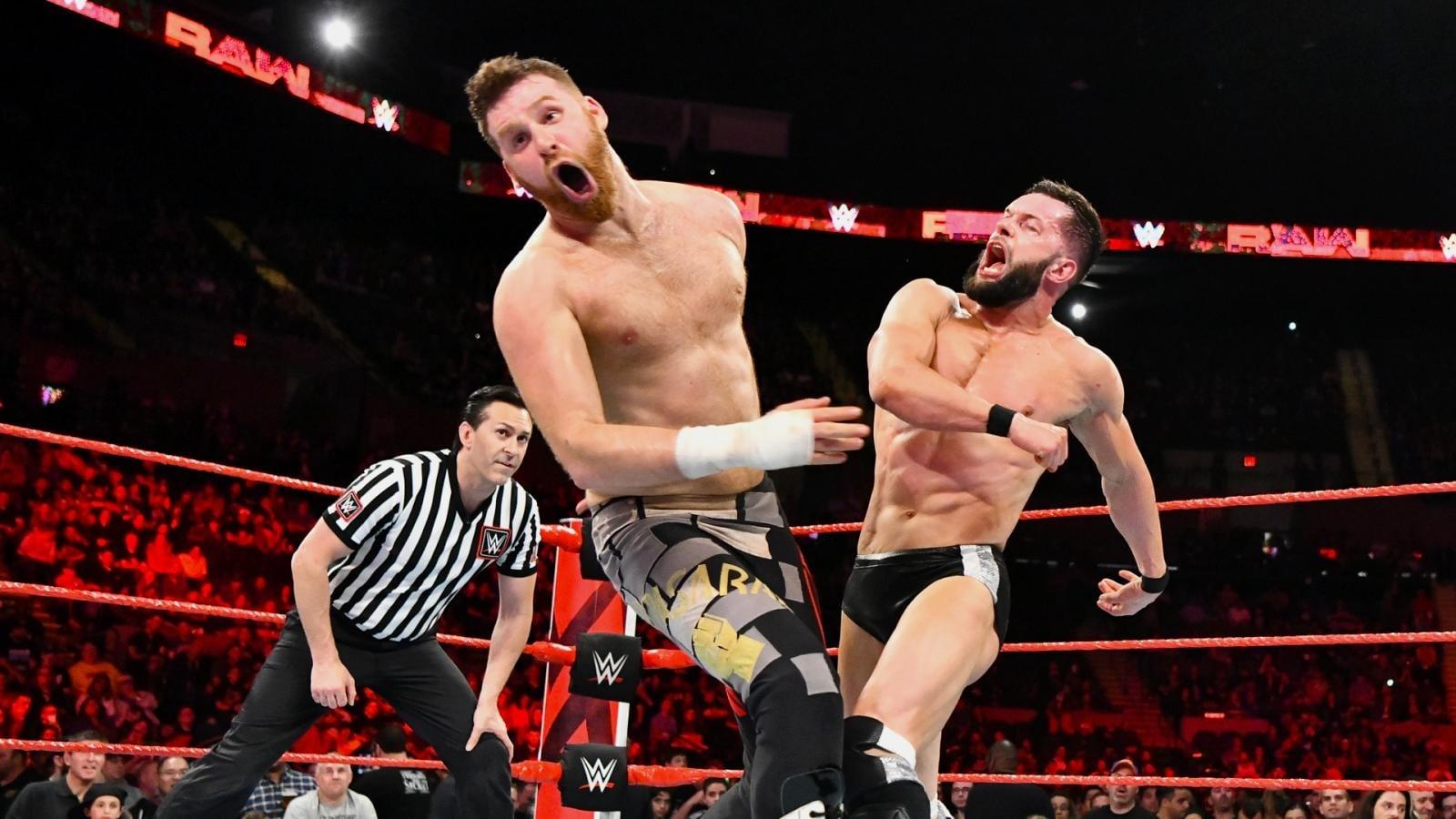 WWE Raw - Season 26 Episode 19 : May 7, 2018 (Uniondale, NY)