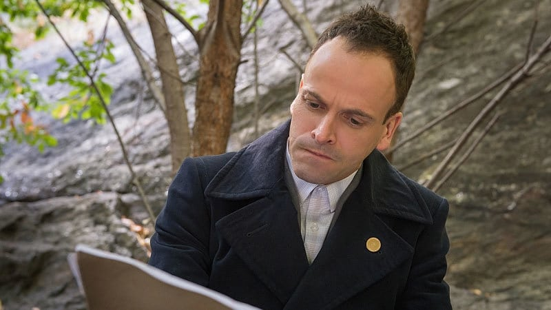 Elementary - Season 3 Episode 9 : The Eternity Injection