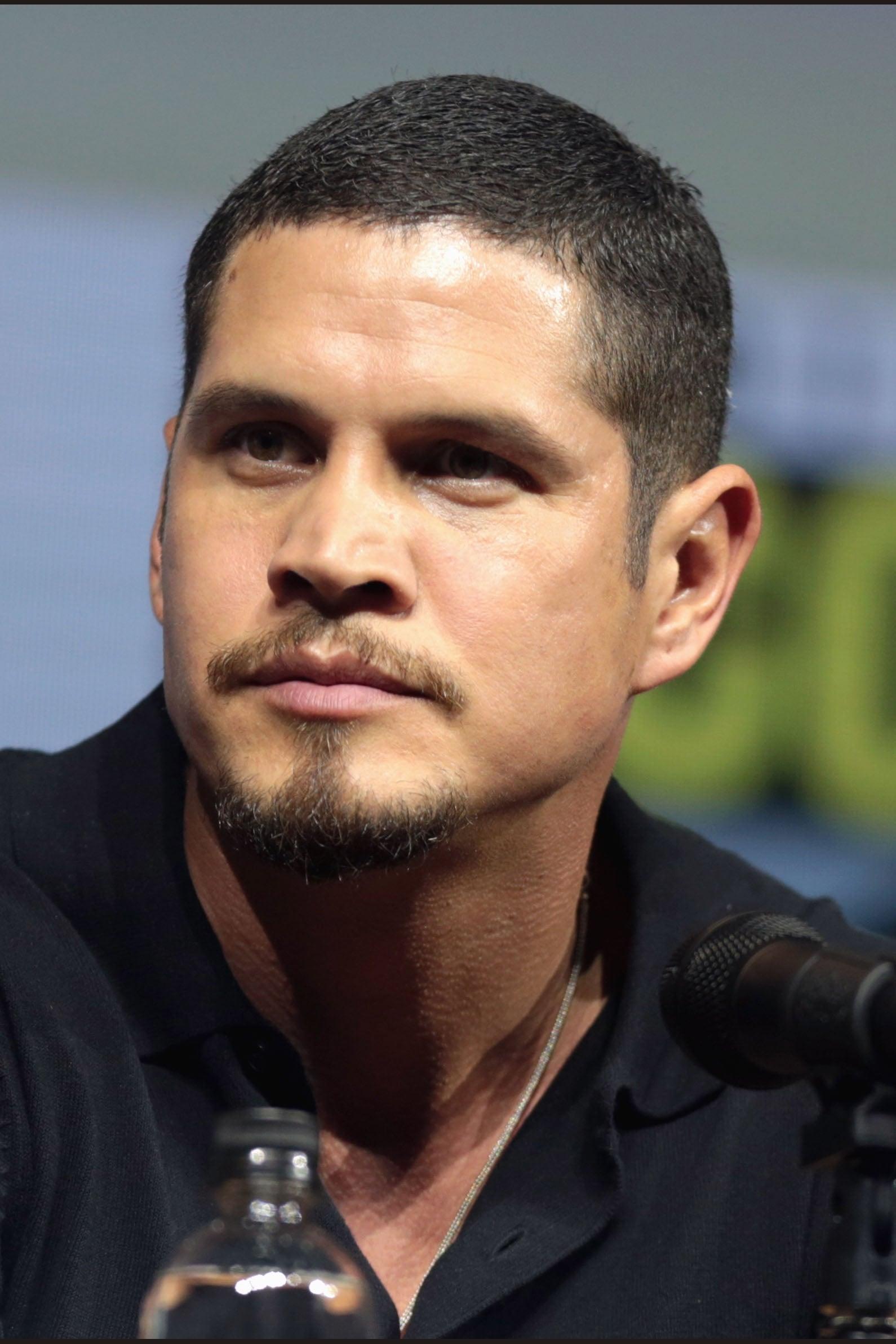 J. D. Pardo isEzekiel 'EZ' Reyes
