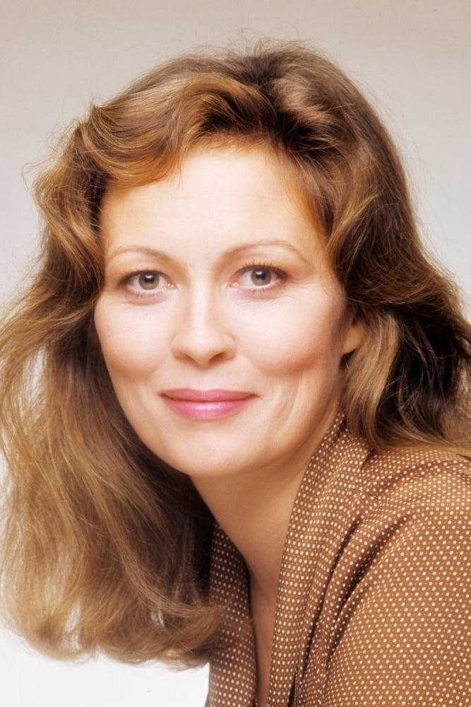 Faye Dunaway / Dr. Roberta Waters