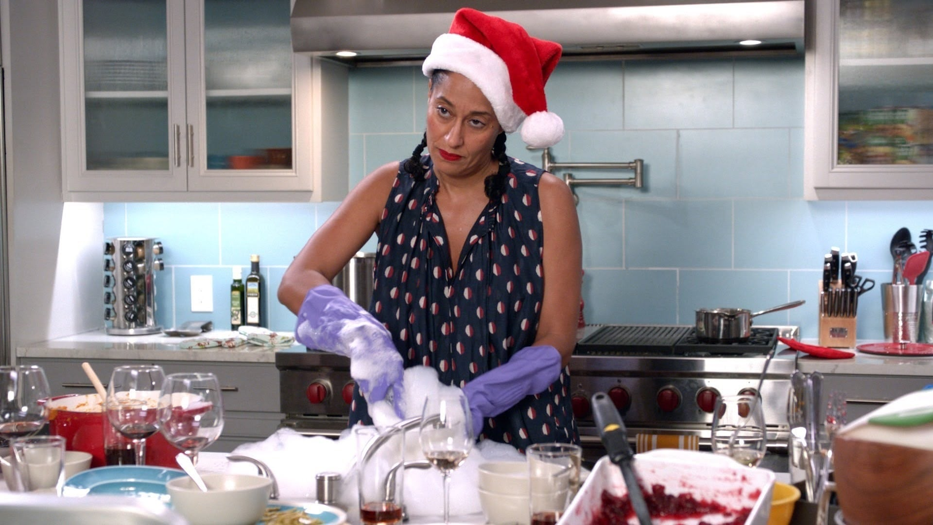 black-ish Season 3 :Episode 10  Just Christmas, Baby