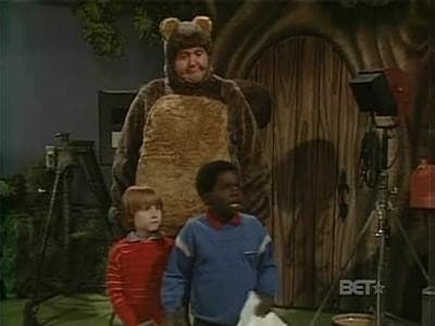 Diff'rent Strokes Season 7 :Episode 14  Arnold Saves the Squirrel