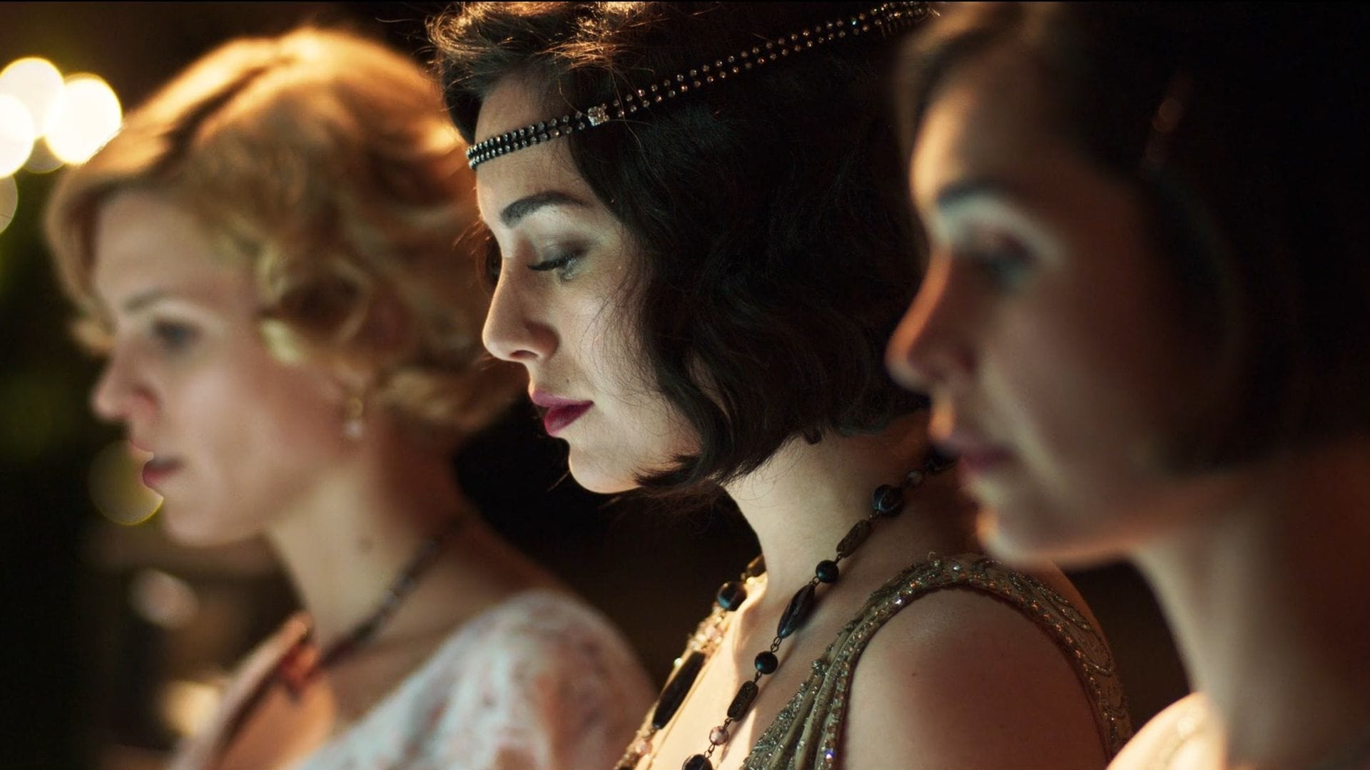 Cable Girls Season 2 :Episode 1  The Choice