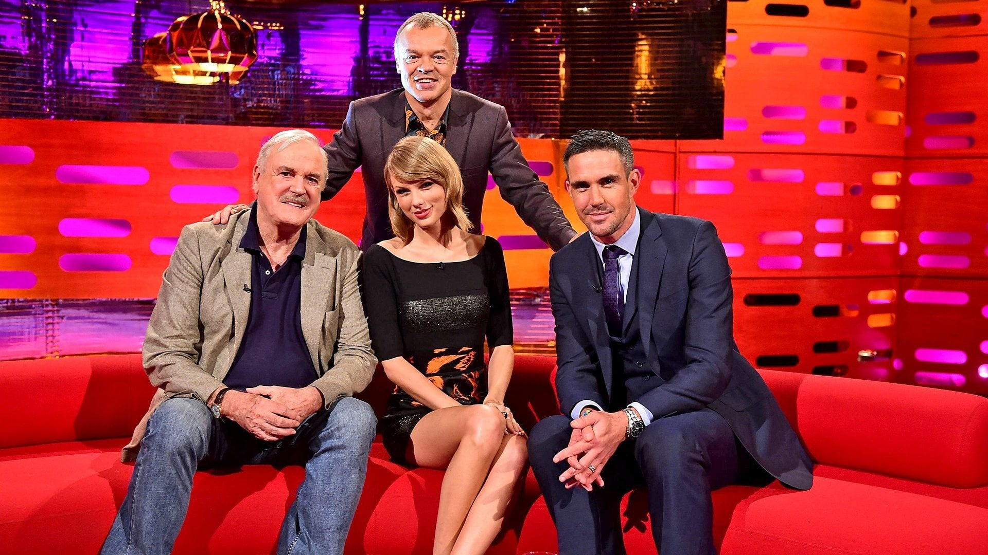 The Graham Norton Show Season 16 :Episode 3  John Cleese, Taylor Swift, Kevin Pietersen, Neil Diamond