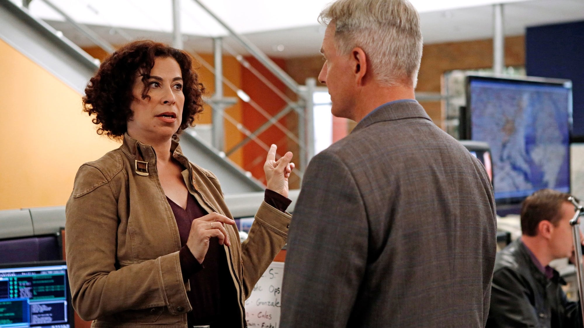 NCIS - Season 11 Episode 3 : Under the Radar