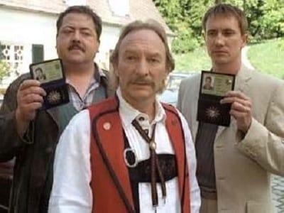 Die Rosenheim-Cops Season 1 :Episode 1  Der Tote am See