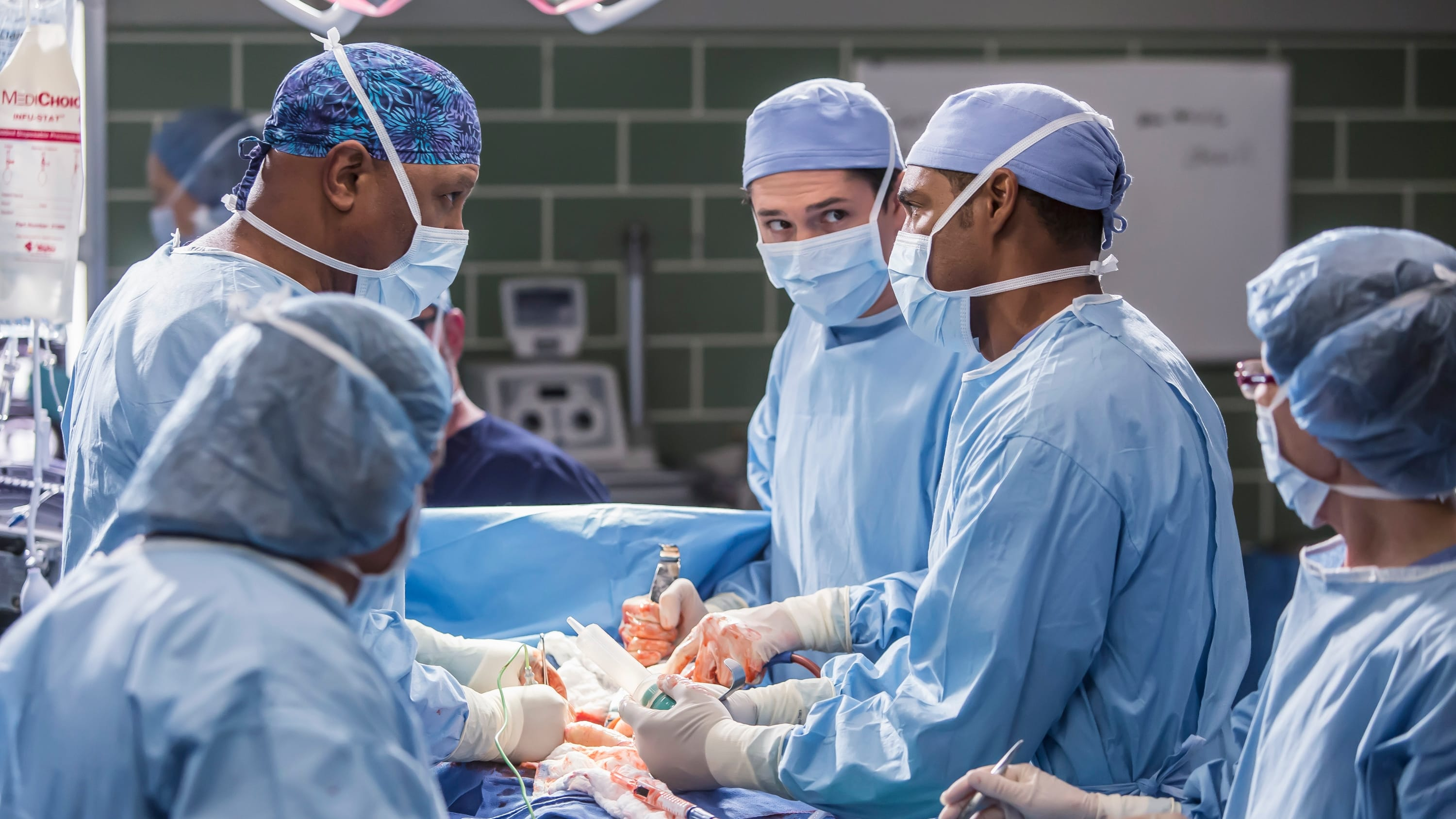 Grey's Anatomy Season 12 :Episode 13  All Eyez on Me