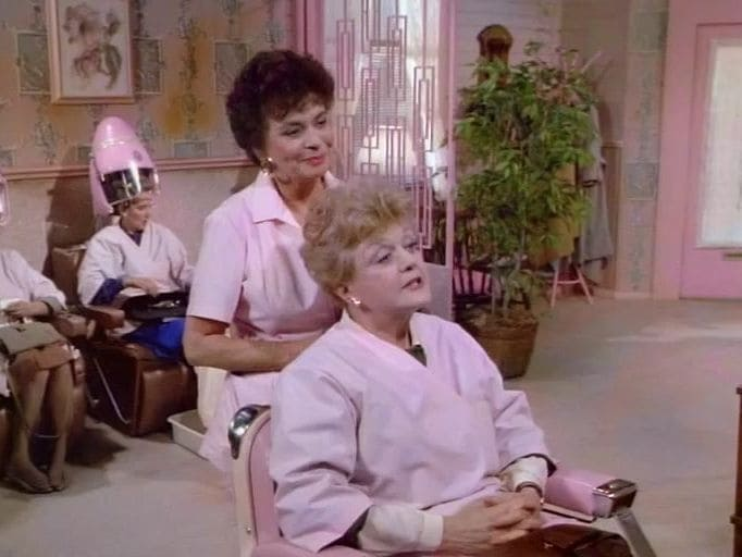 Murder, She Wrote Season 4 :Episode 7  If It's Thursday, It Must Be Beverly
