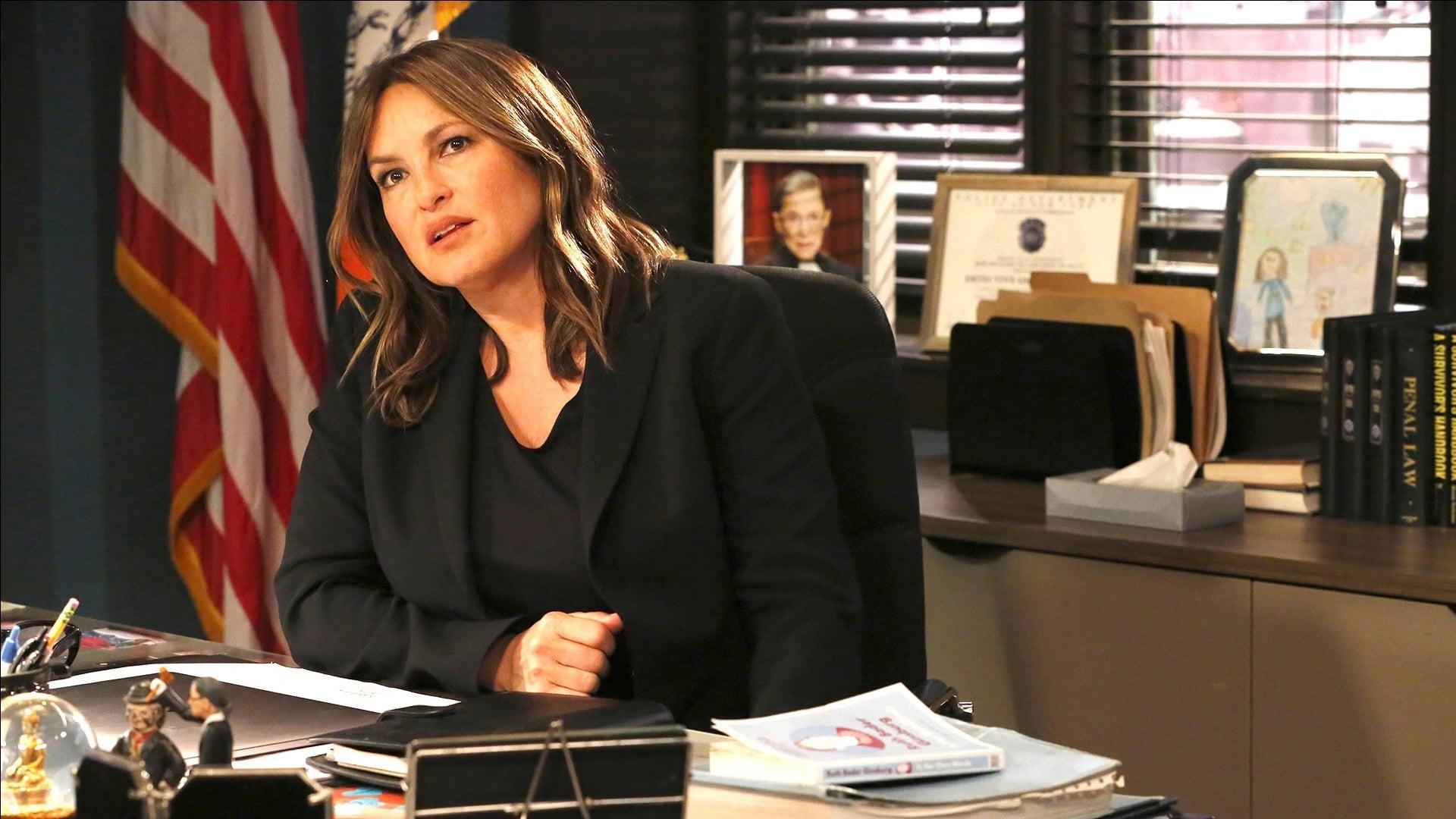 Law & Order: Special Victims Unit - Season 20 Episode 21 : Exchange