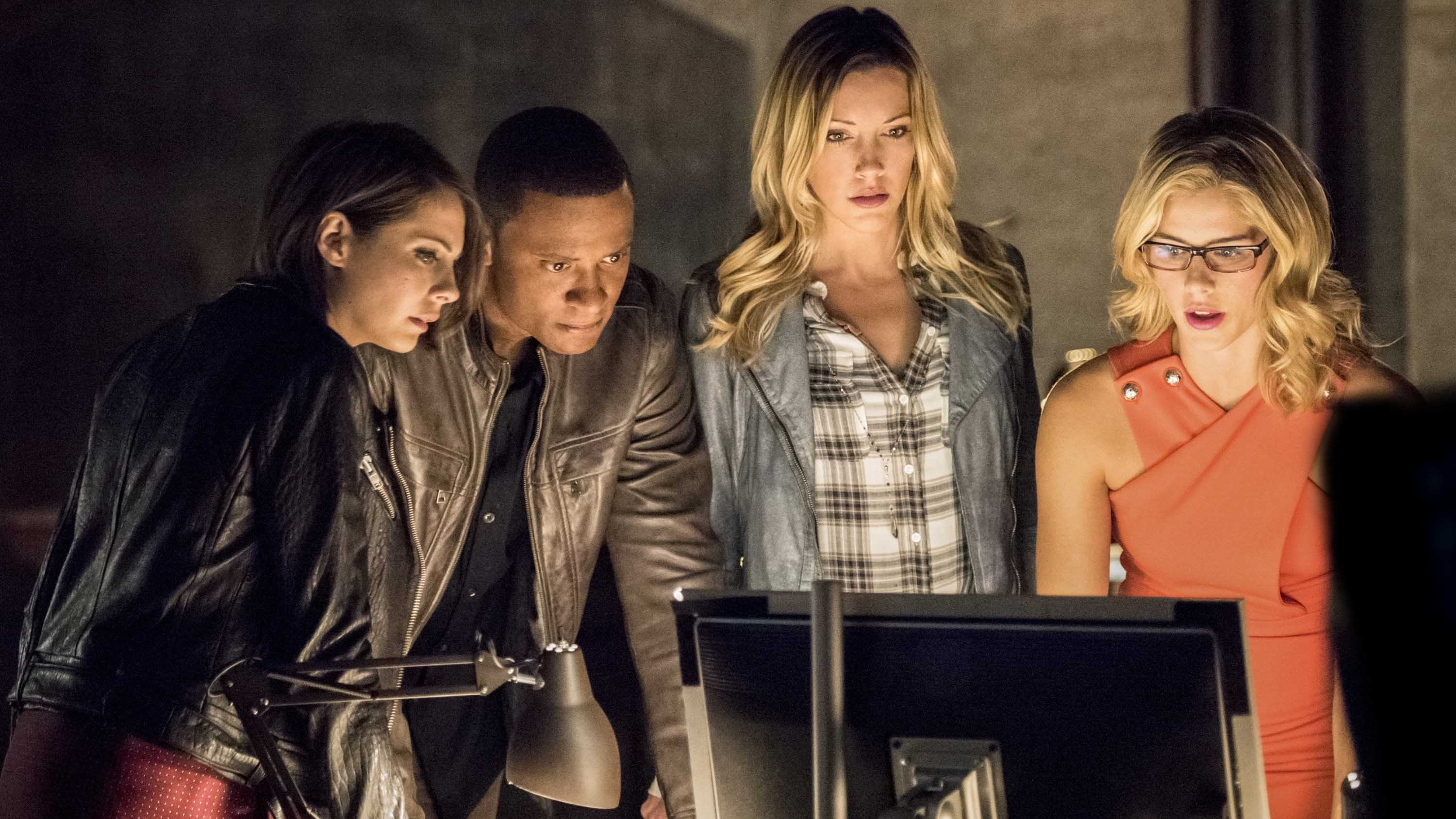 Arrow - Season 4 Episode 1 : Green Arrow