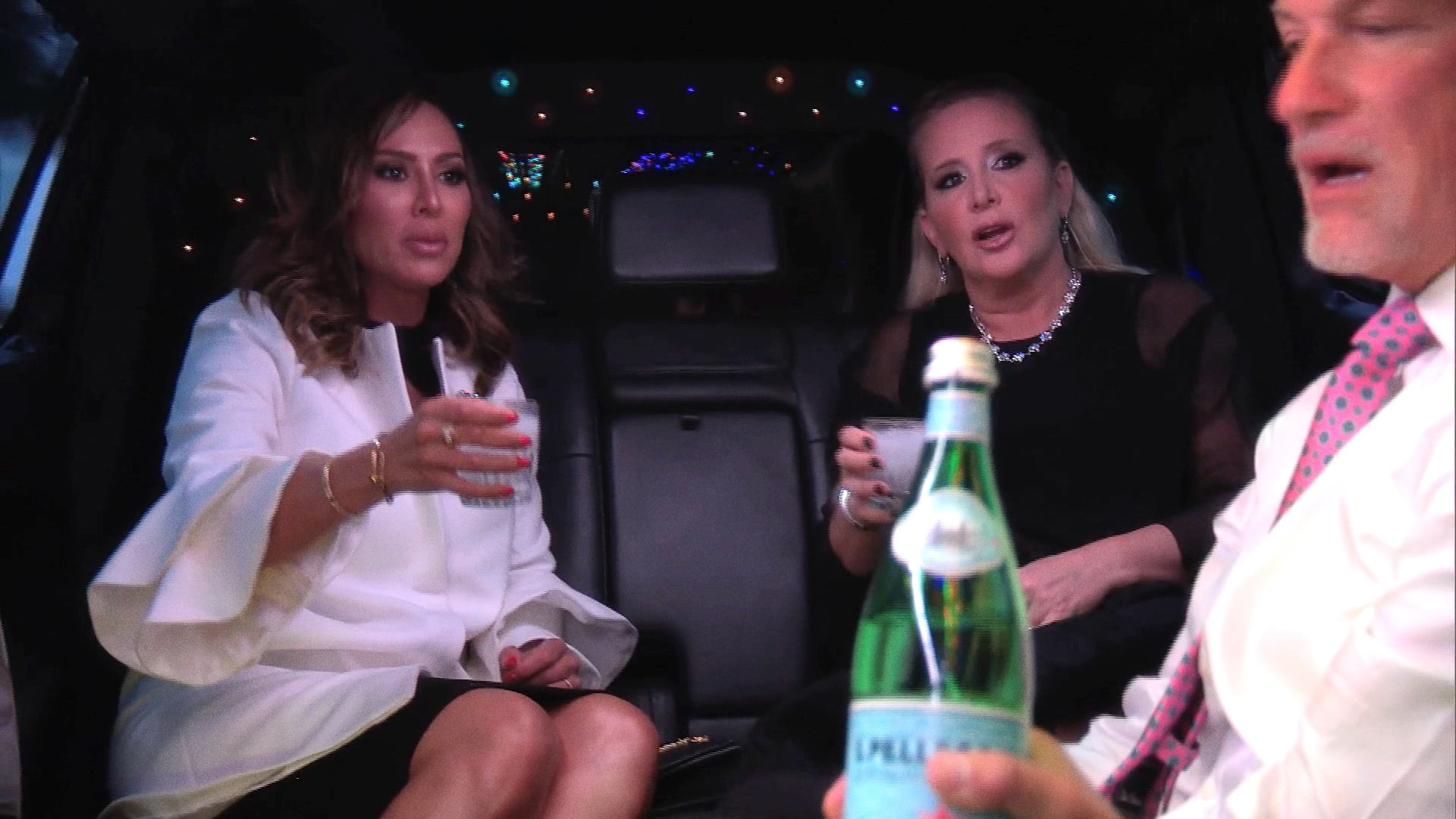 The Real Housewives of Orange County - Season 12 Episode 19 : Candle Wicks and Lunatics