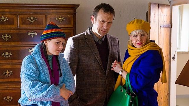 Watch Agatha Raisin Season 3 Episode 3 - As The Pig Turns Online ...