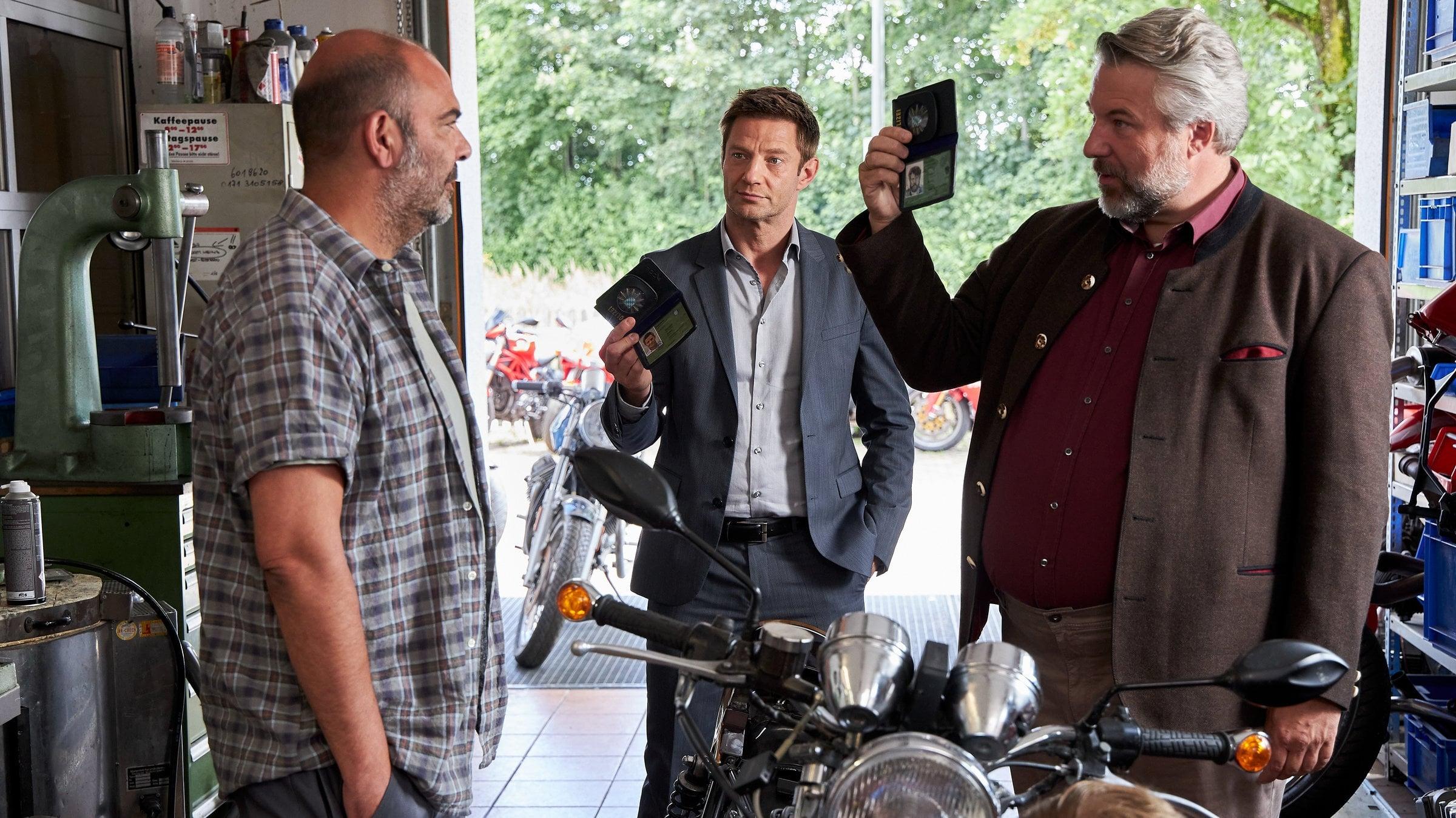 Die Rosenheim-Cops Season 20 :Episode 14  Ein haariger Fall