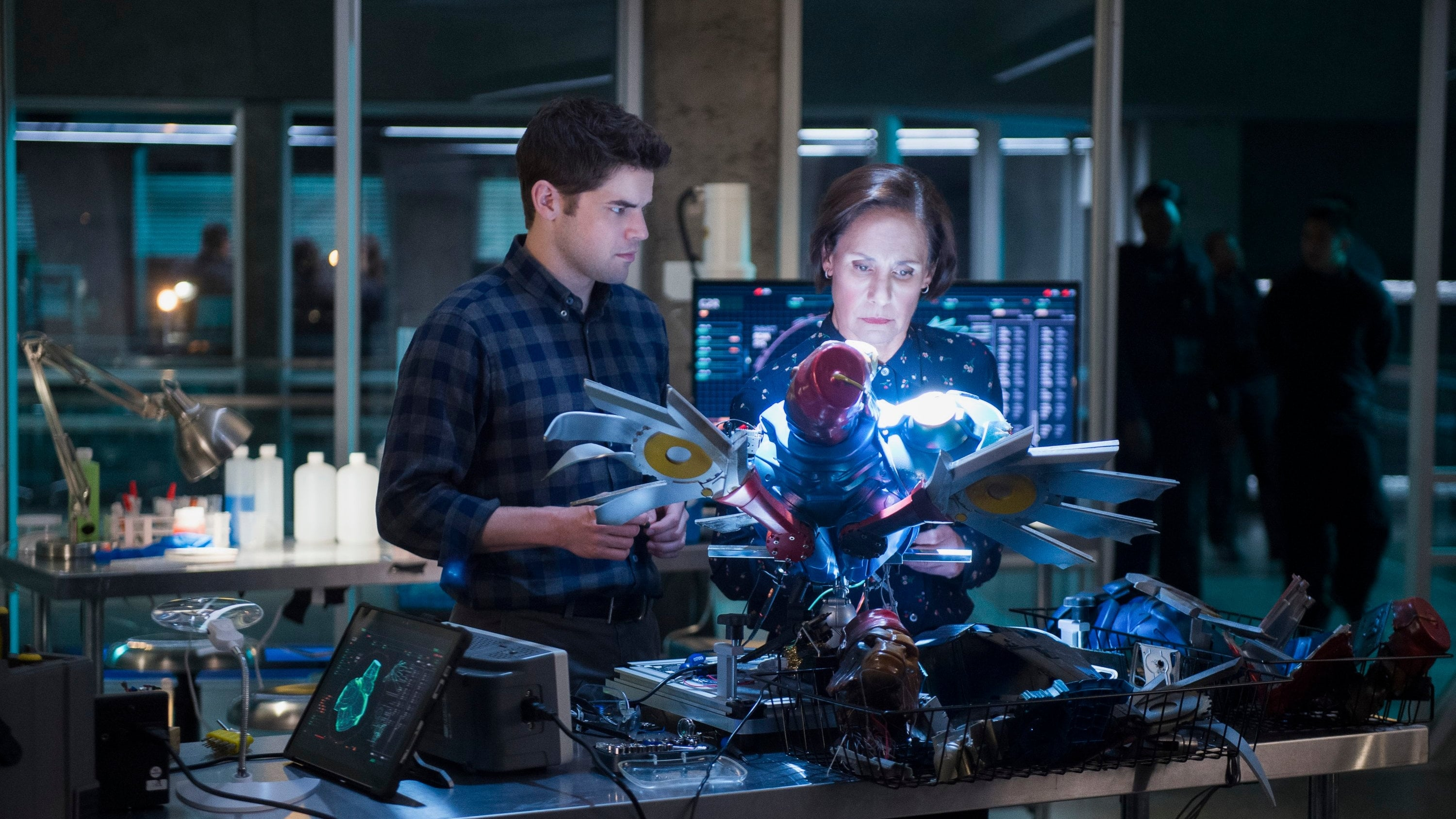 Supergirl Season 3 :Episode 14  Schott Through the Heart