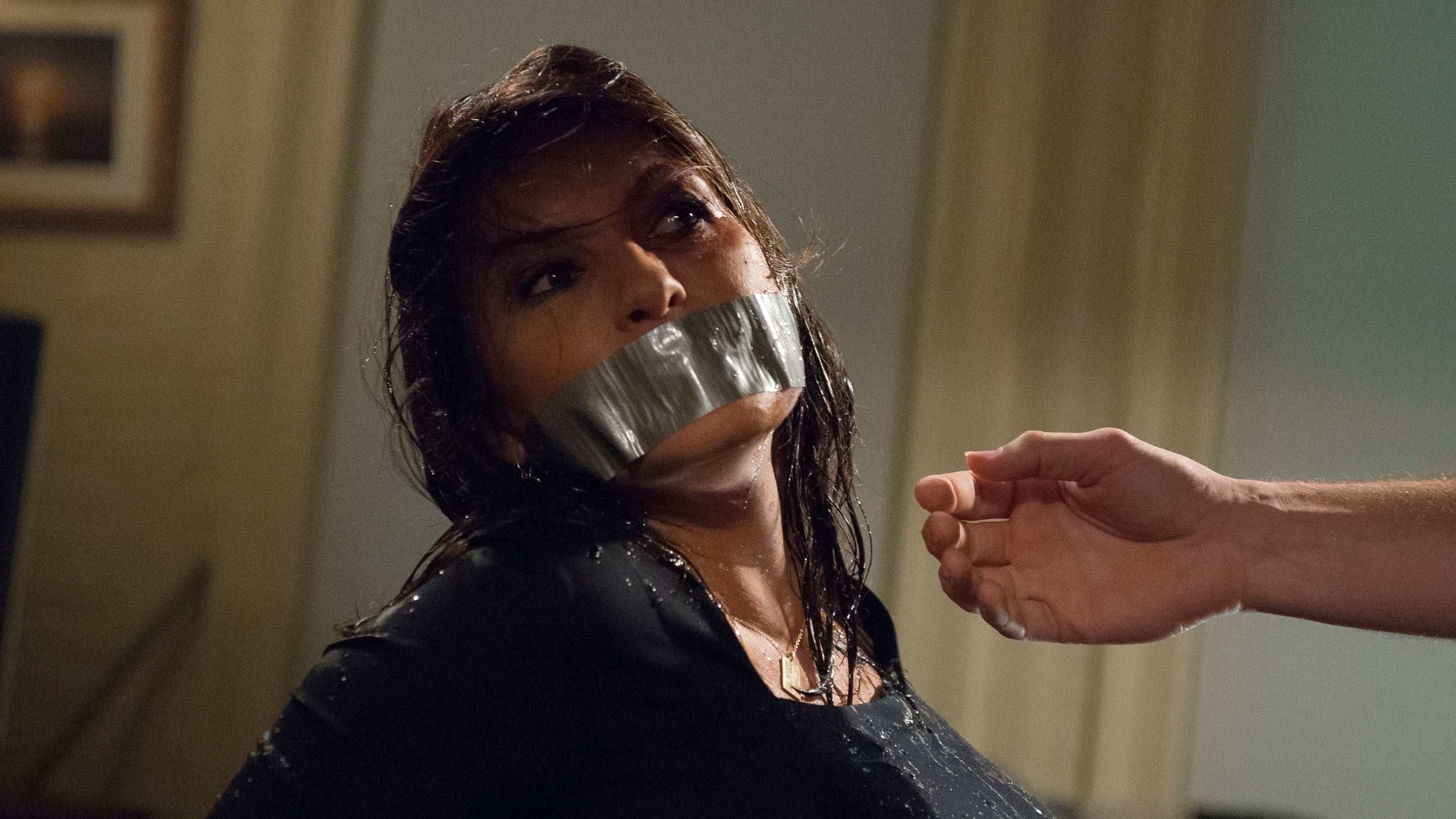 Law & Order: Special Victims Unit - Season 15 Episode 1 : Surrender Benson
