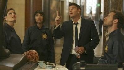 Bones Season 7 :Episode 6  The Crack in the Code