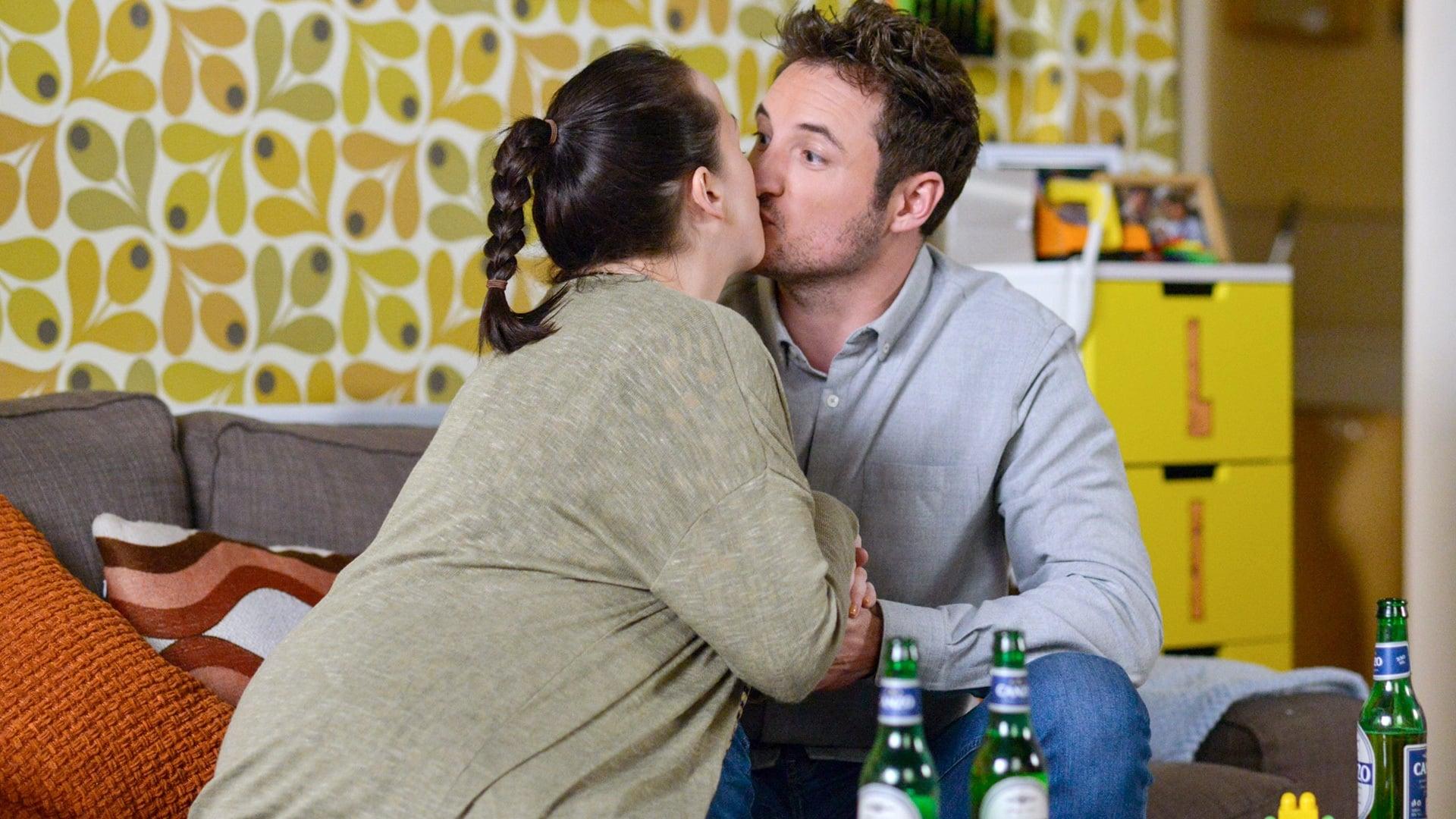 EastEnders Season 32 :Episode 101  21/06/2016