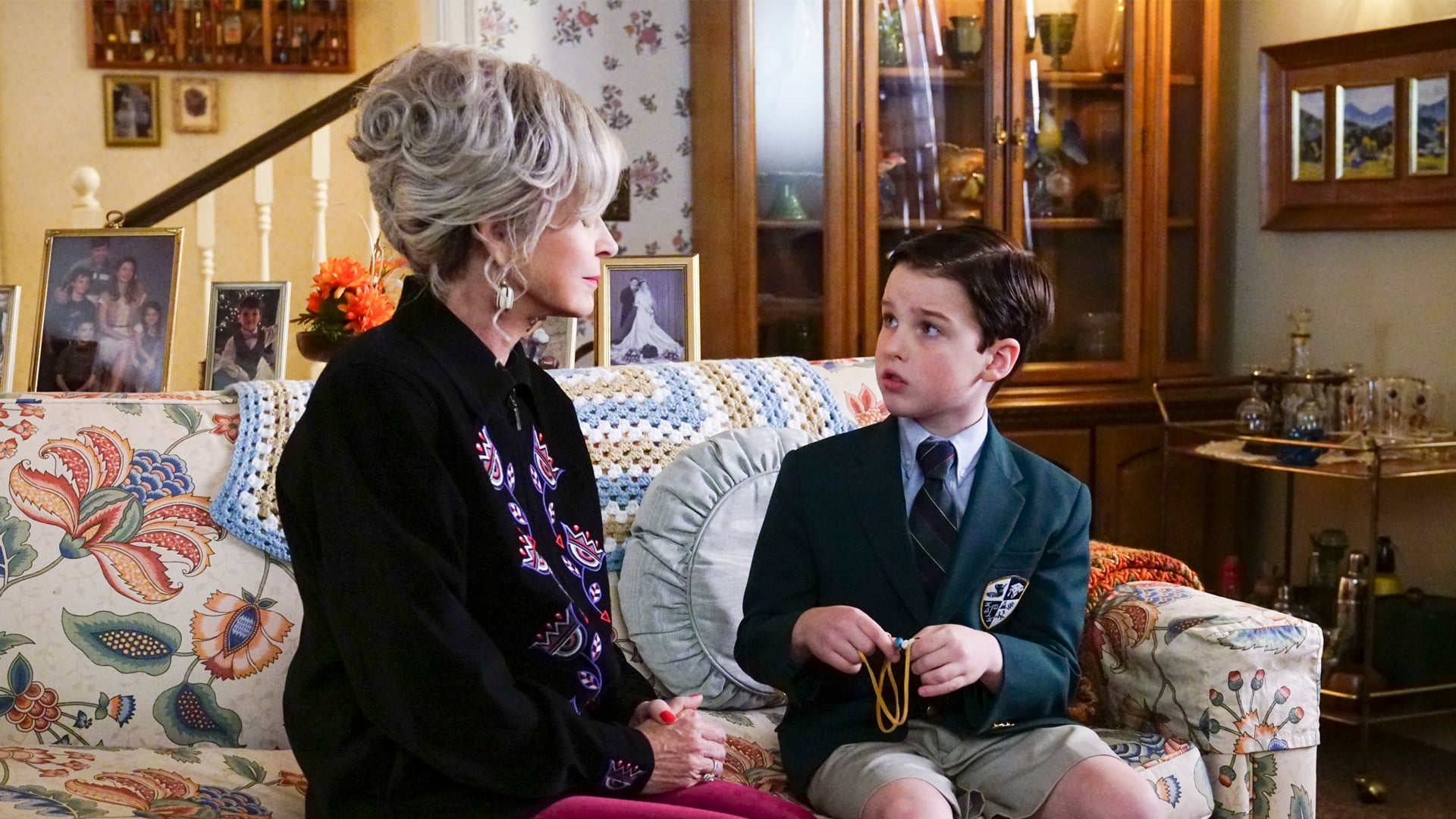 Young Sheldon Season 1 :Episode 10  An Eagle Feather, A String Bean, And An Eskimo