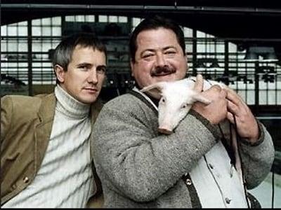 Die Rosenheim-Cops Season 2 :Episode 13  Ein Schwein namens Daisy