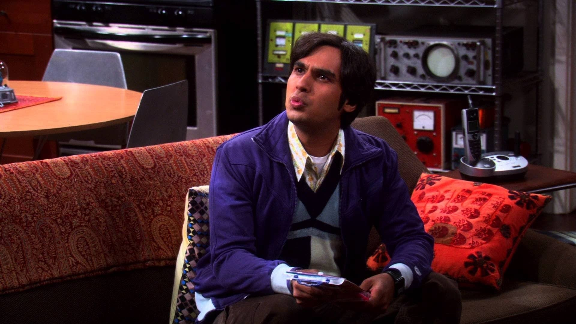 The Big Bang Theory Season 3 :Episode 6  The Cornhusker Vortex