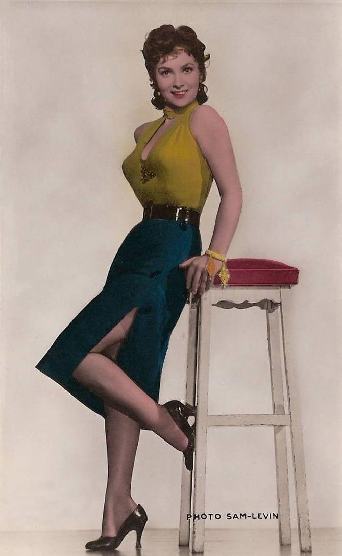 狠狠干sheyiqiang_she was one of the most popular european actresses of the 1950s