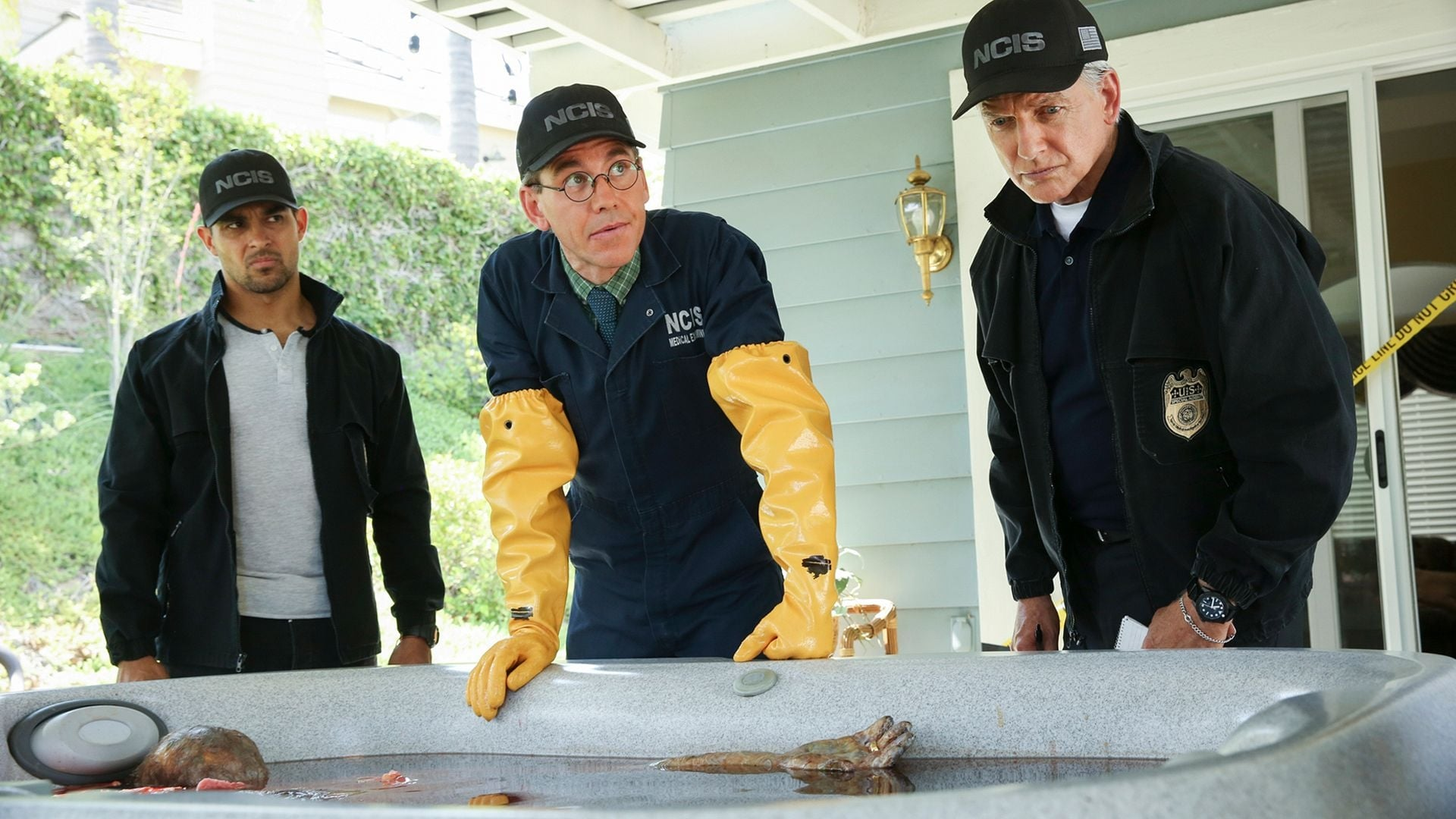 NCIS Season 16 :Episode 2  Love Thy Neighbor