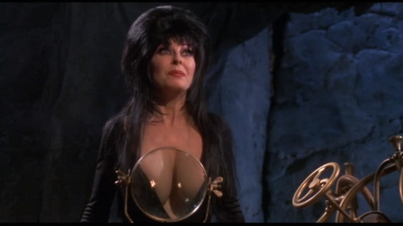 Naked Cassandra Peterson In Elvira, Mistress Of The Dark Ancensored