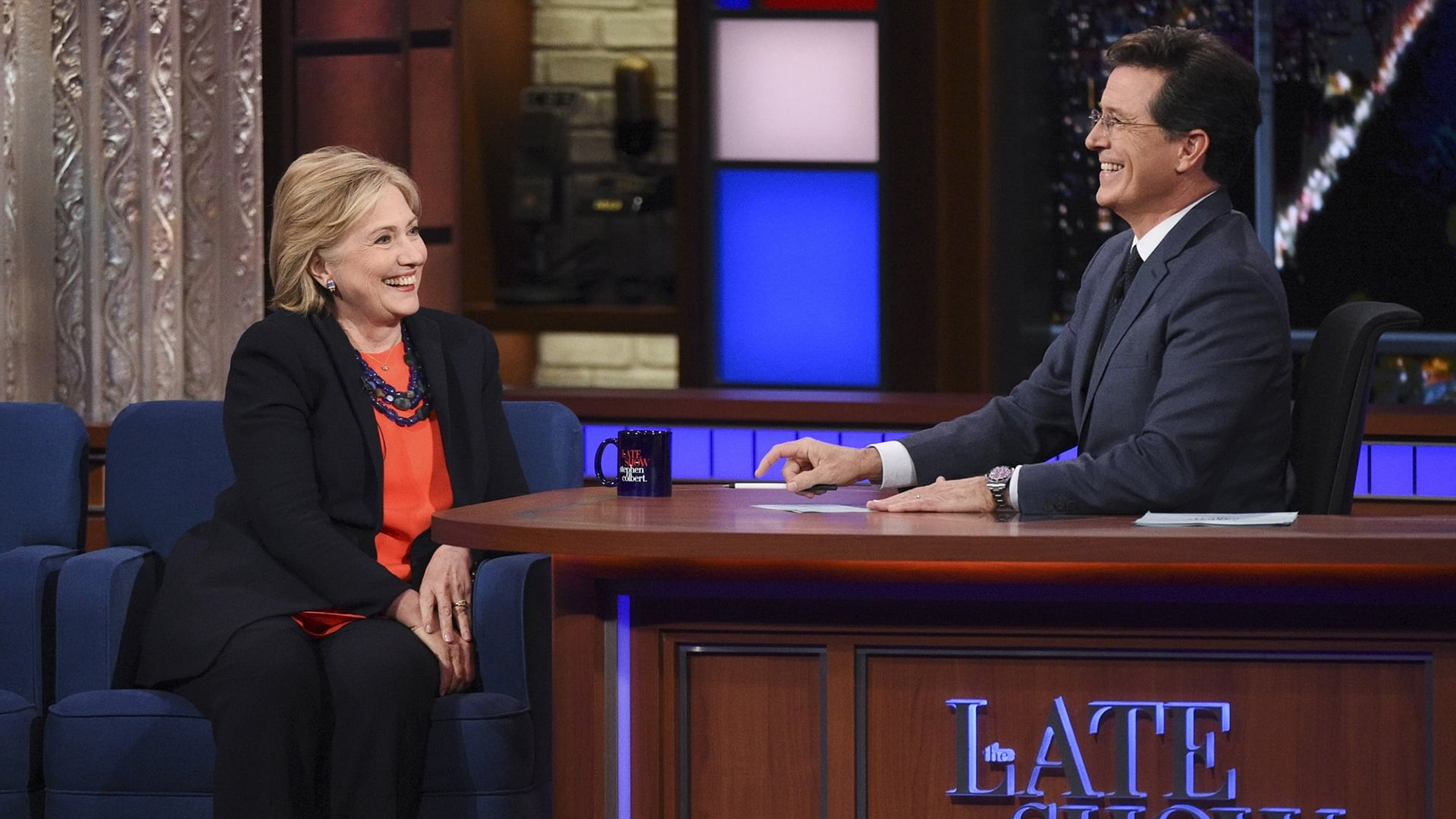 The Late Show with Stephen Colbert Season 1 :Episode 31  Hillary Clinton, Anthony Bourdain, Carrie Brownstein, Lianne La Havas
