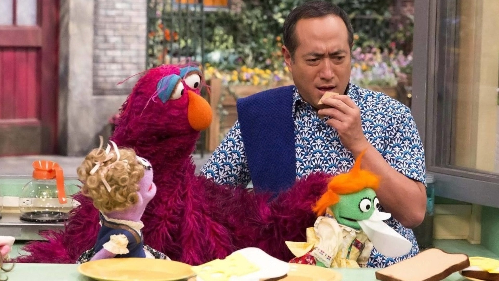Sesame Street Season 45 :Episode 19  Chaos at Hooper's Store
