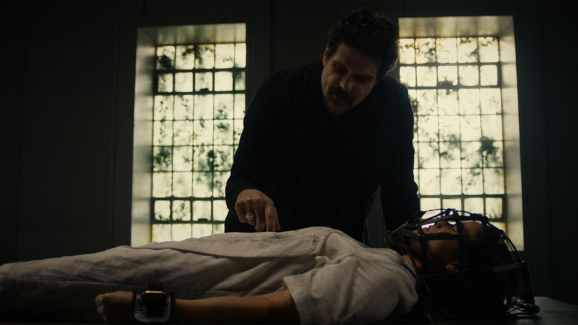 Van Helsing Season 1 :Episode 13  It Begins
