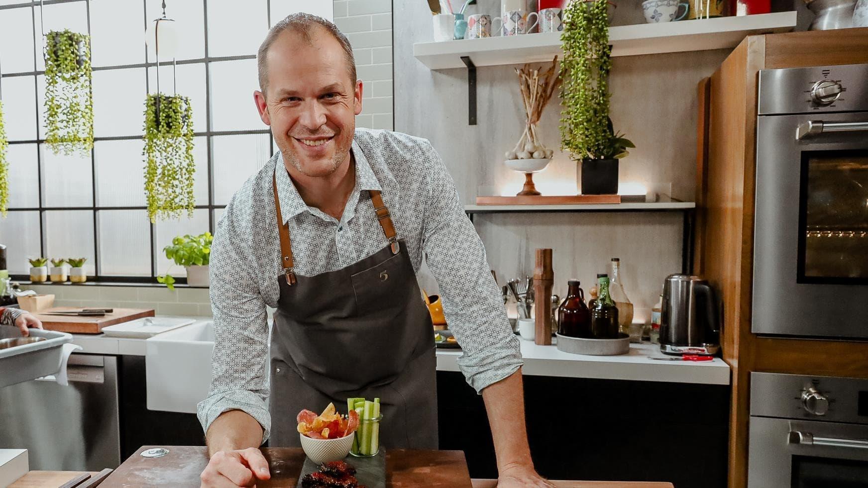 5 chefs dans ma cuisine Season 1 :Episode 100  Episode 100