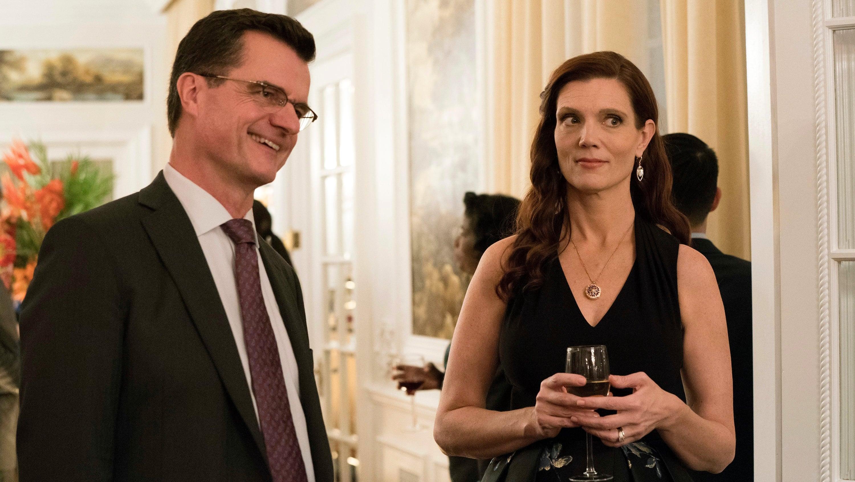 The Enemy Within Season 1 :Episode 3  La esposa del embajador