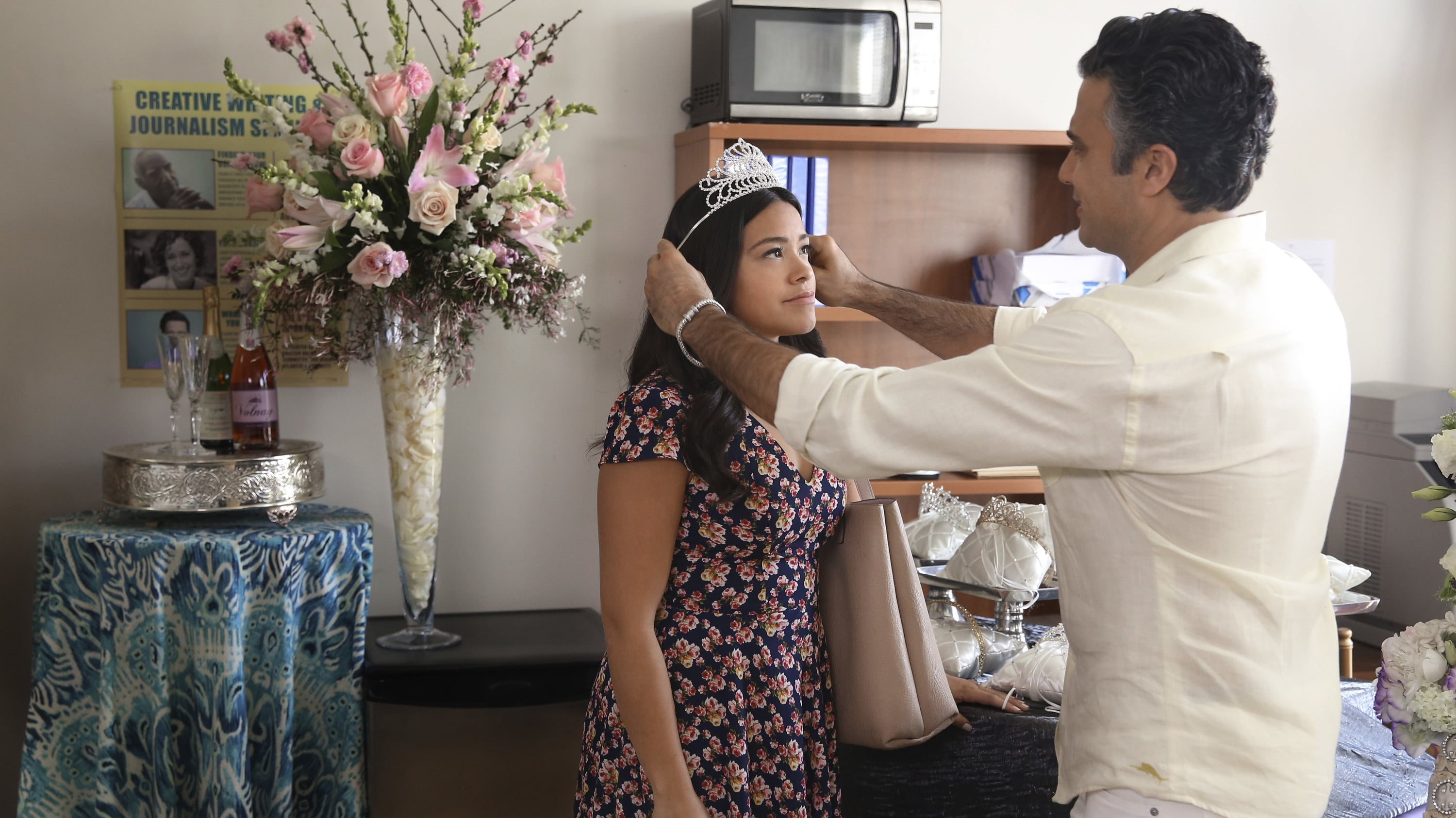Jane the Virgin Season 2 :Episode 18  Chapter Forty