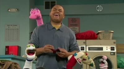 Sesame Street Season 41 :Episode 29  Sock Chaos at the Laundromat
