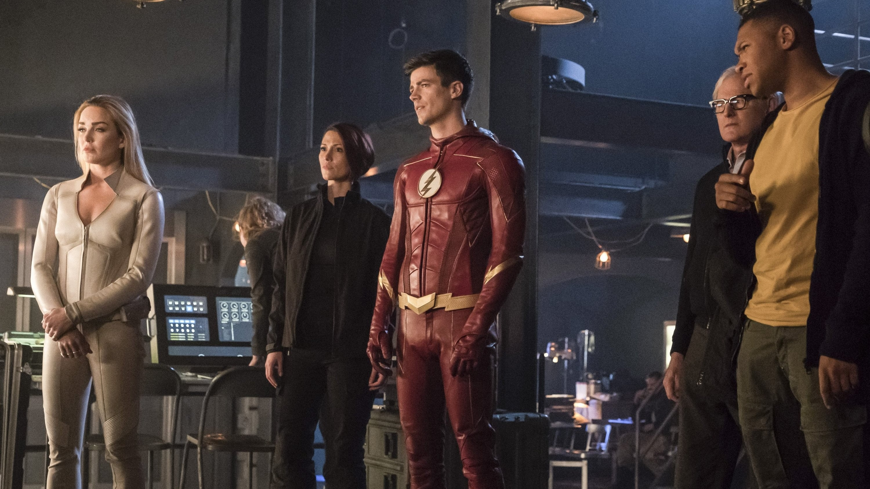 The Flash Season 4 :Episode 8  Crisis on Earth-X (III)