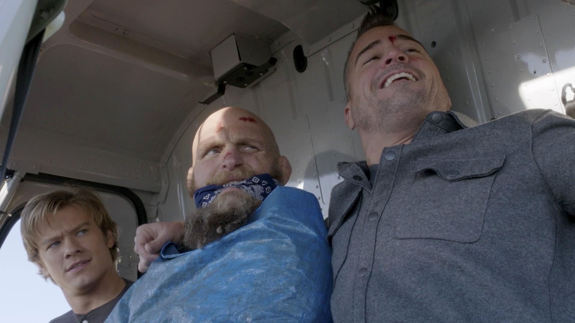 MacGyver Season 1 :Episode 13  Large Blade