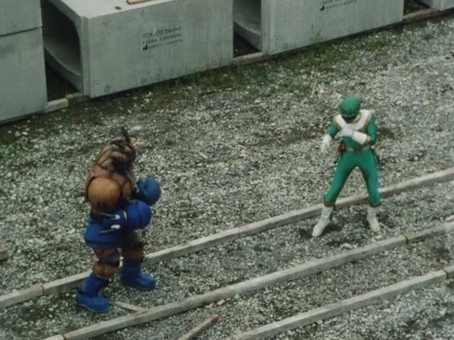 Super Sentai Season 19 :Episode 20  100 Iron Punches!!