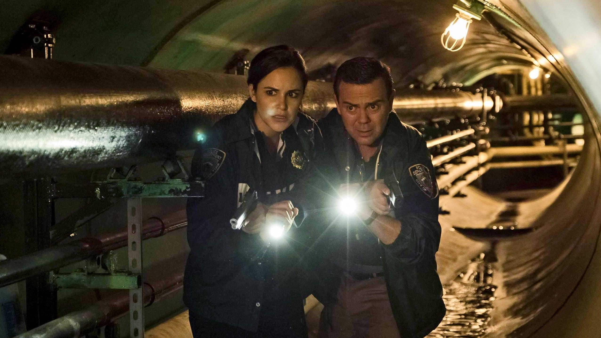 Brooklyn Nine-Nine Season 4 :Episode 11  The Fugitive, Part 1