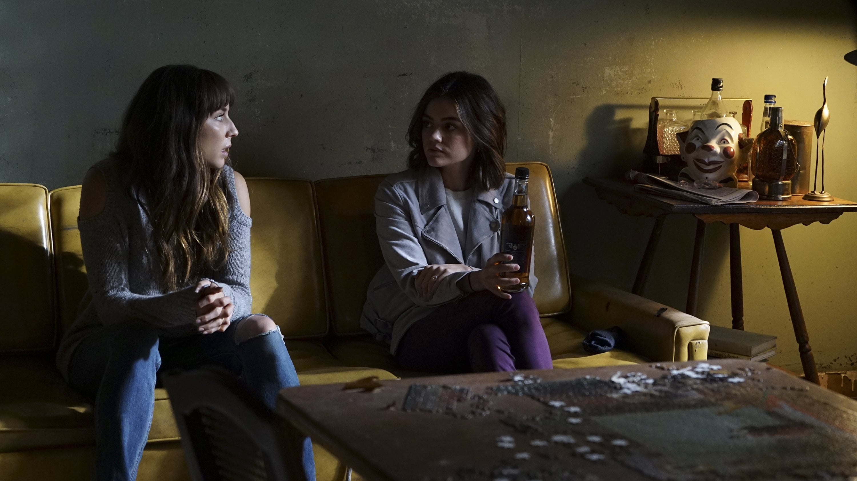 how to watch pretty little liars online free live