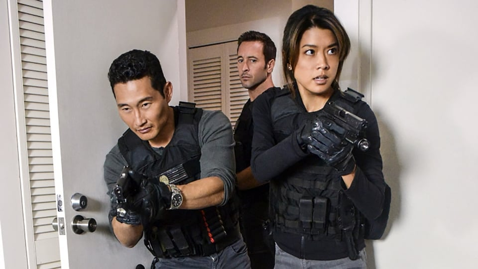 Hawaii Five-0 Season 7 :Episode 19  Puka 'ana (Exodus)