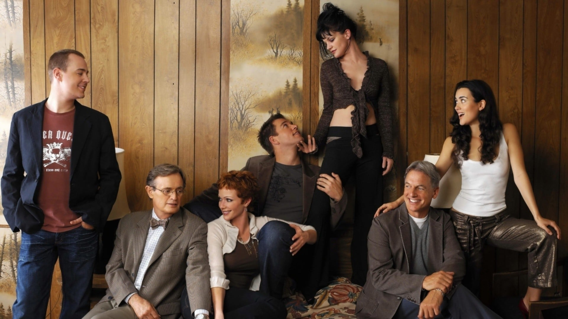NCIS - Season 0 Episode 23 : Behind the Set: The Production Design of NCIS