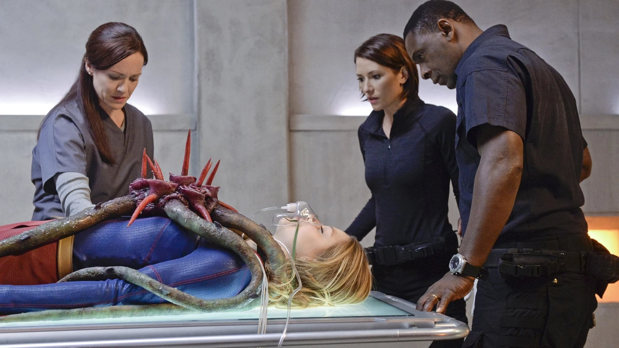 Supergirl Season 1 :Episode 13  For The Girl Who Has Everything