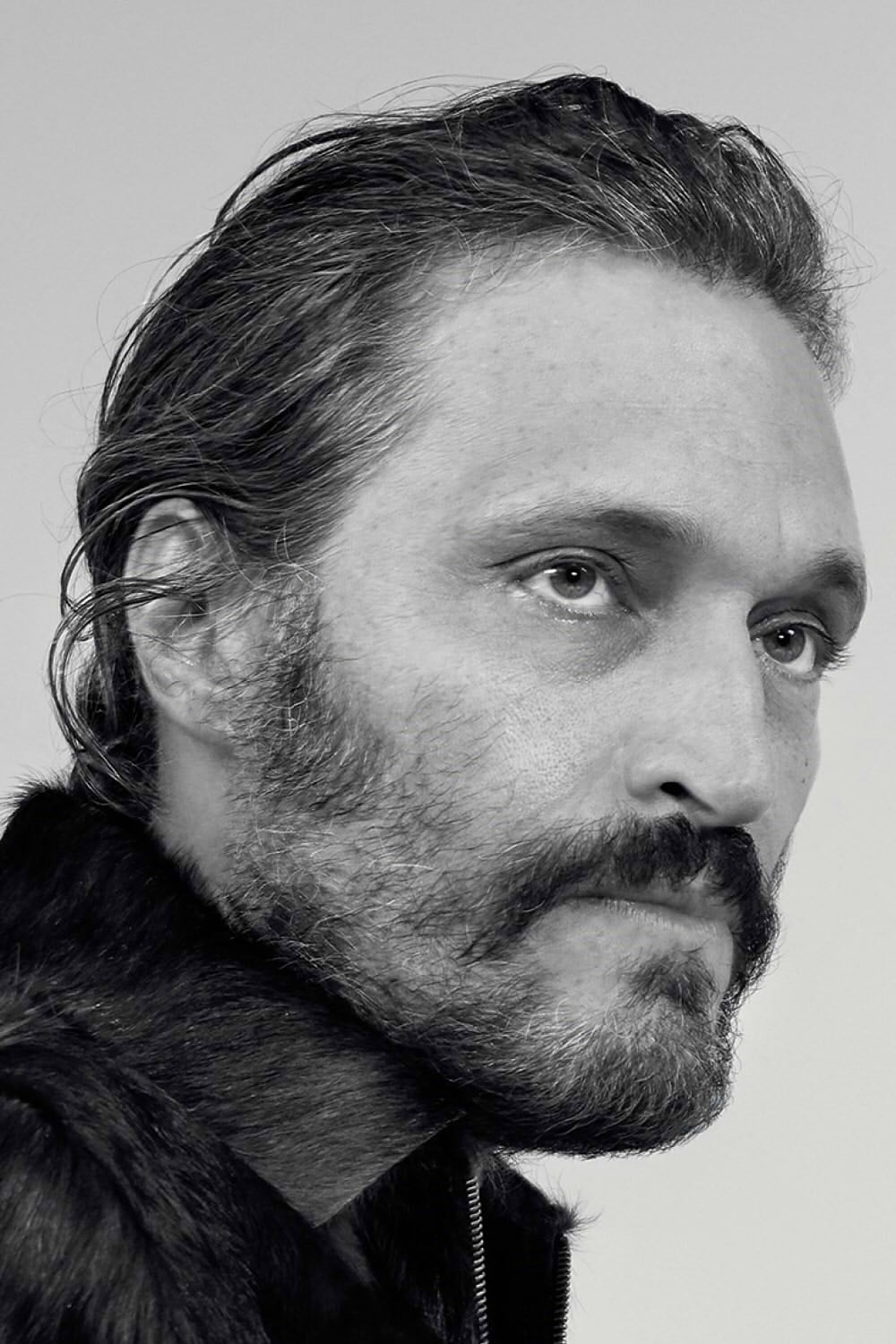 Gallo By Thian Different Ways To Wear A Scarf: Vincent Gallo-WatchThisFree