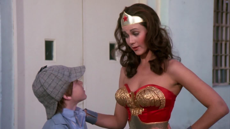 Wonder Woman Season 1 :Episode 2  Wonder Woman Meets Baroness Von Gunther
