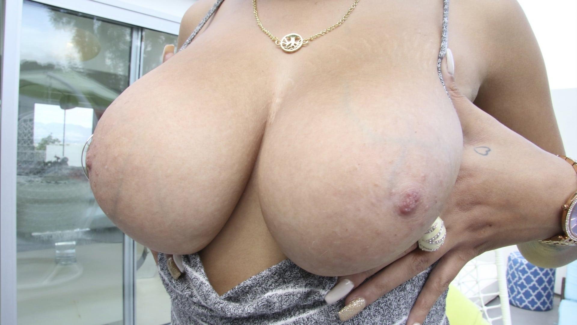 big-tits-rounds-asses