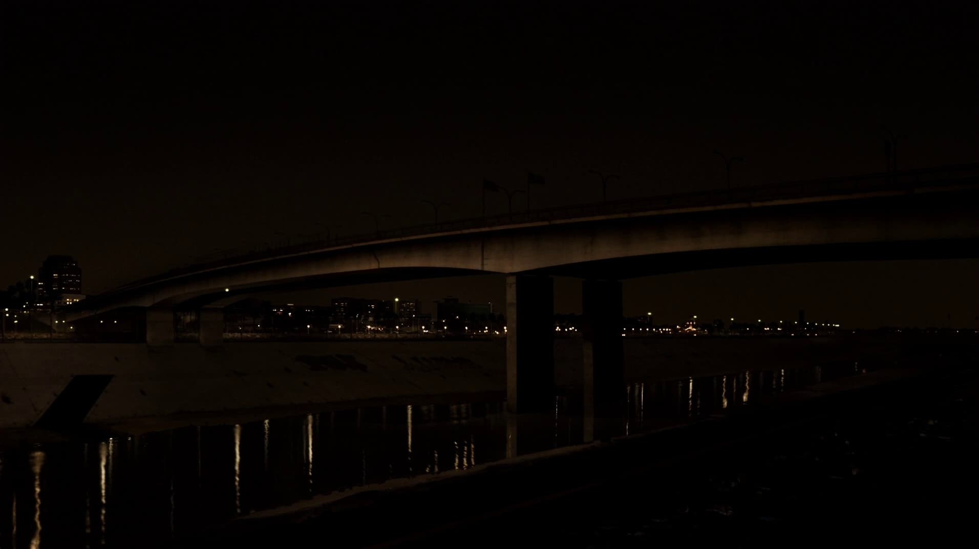 The Bridge: Season 1 Episode 1 Subtitles | The Bridge S01E01