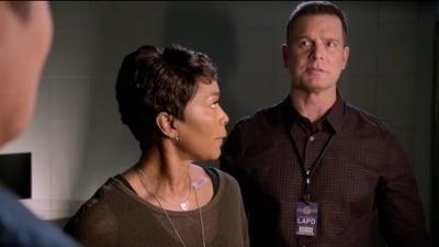 9-1-1 Season 2 :Episode 18  This Life We Choose